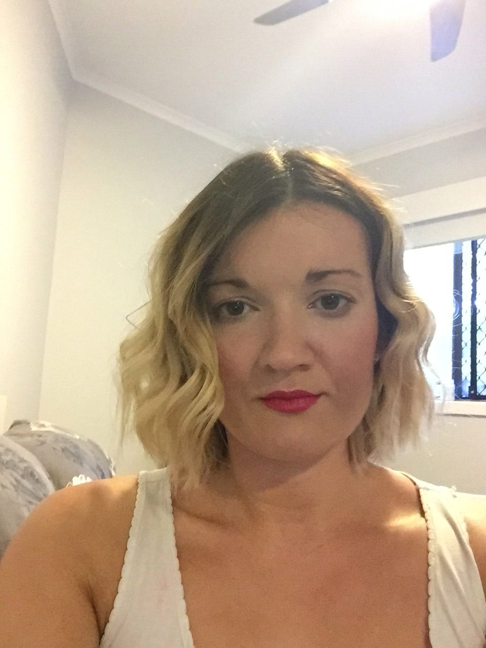 Balayage wavy short hair