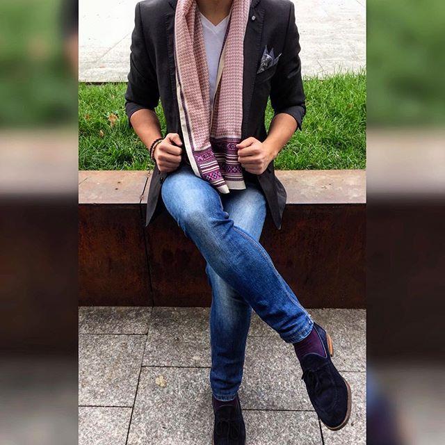 Blue jeans, white shirt Purple socks that make your heart hurt  #theessenceofstyle #menswear #menstyle #mensfashion #gentleman #lifestyle #dandy #dapper #sprezzatura #scarf #sartorial #elegance #preppy #swag #instastyle #streetstyle #outfit