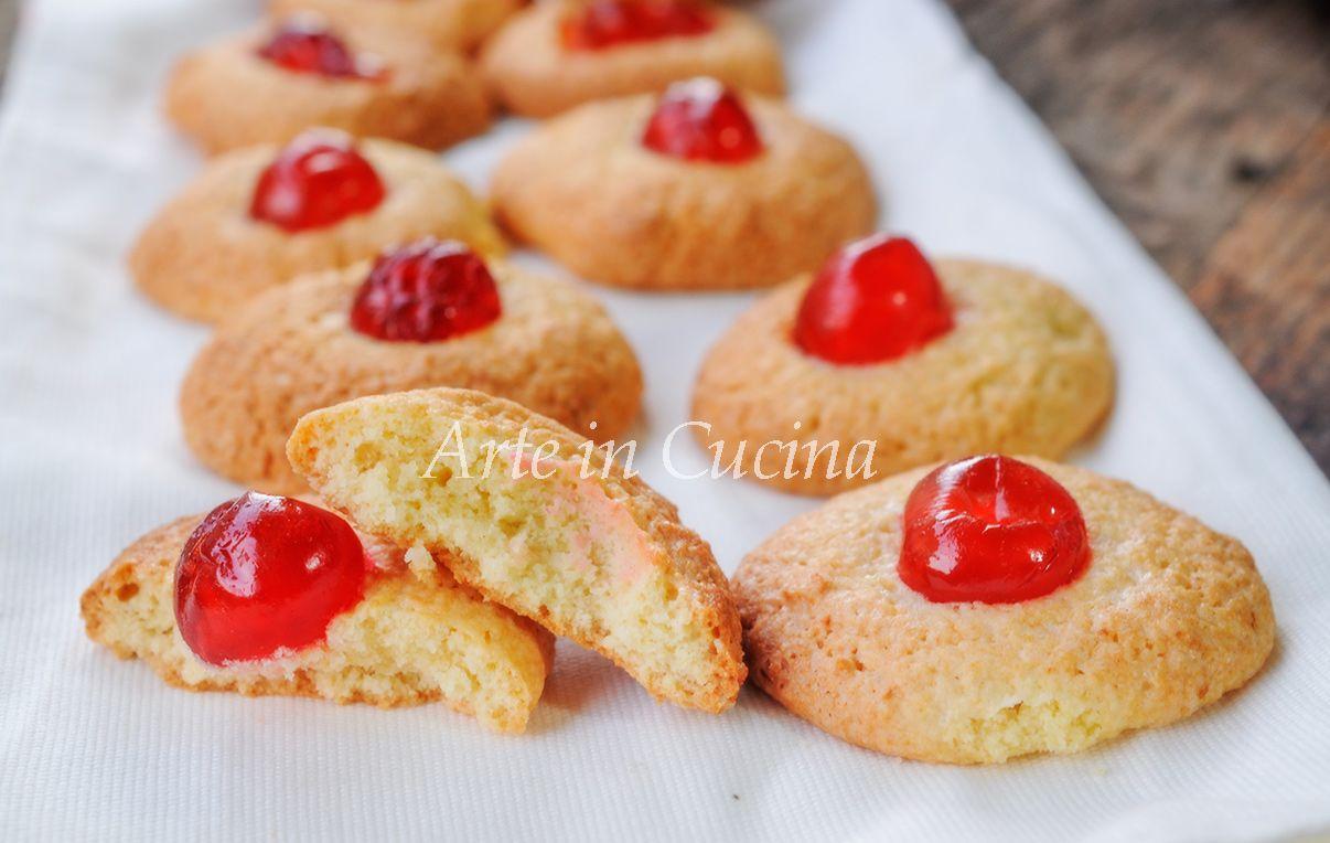 Ricette Di Biscotti Da Regalare A Natale.Pastine Di Mandorle Con Ciliegie Candite Biscotti Dolci Biscotti