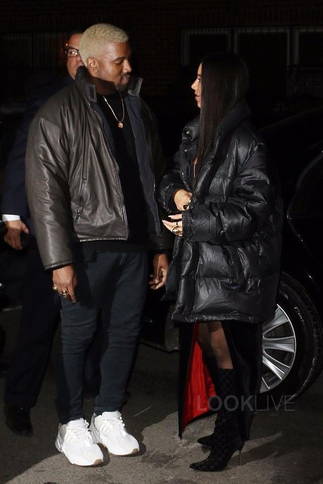 Kanye West Eats At Carbone With Kim On Looklive Kanye West Outfits Kanye West Style Kanye West Style Outfits