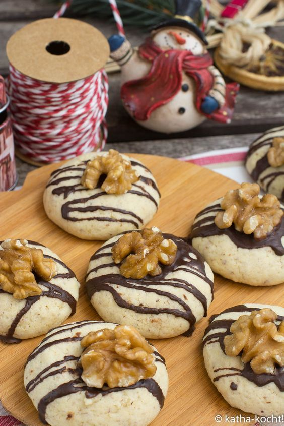 Christmas Cookies – Walnut Cookies – Katha-cooks!