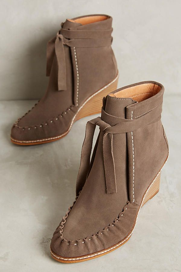 397be30f722a Matiko Myriam Wedge Booties