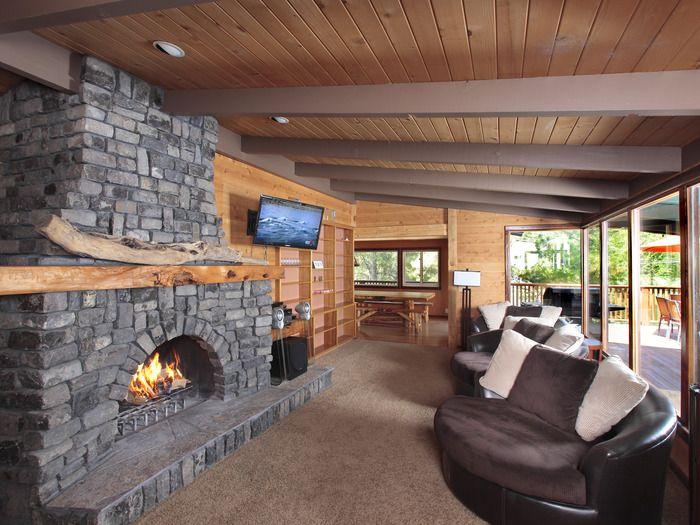 Mountain Lake House Rental For Weddings Close To Yosemite