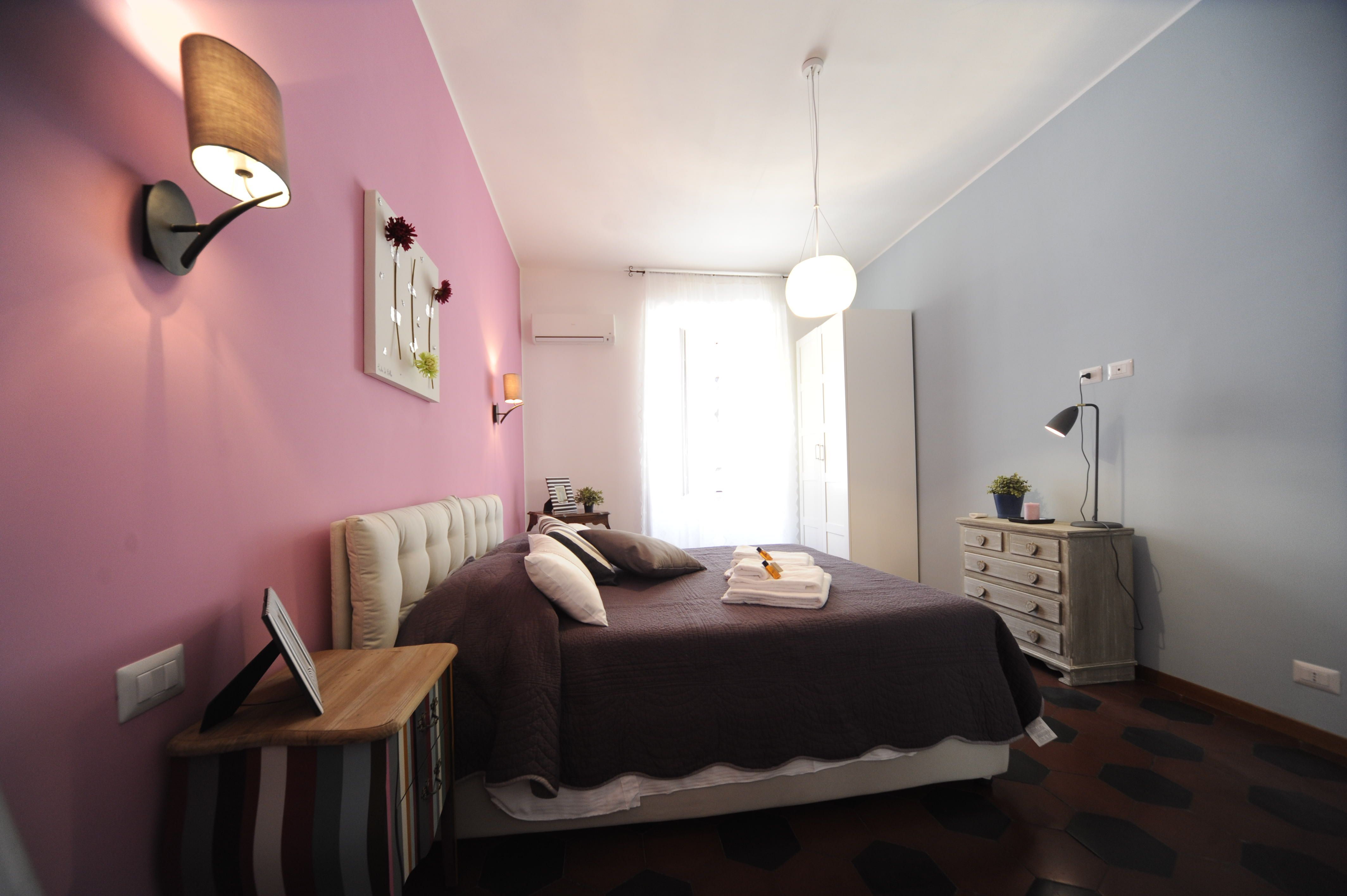 Apartment In Rome With 2 Bedrooms For 3 Sleeps, Colorfuland Quiet: Each  Bedroom Has