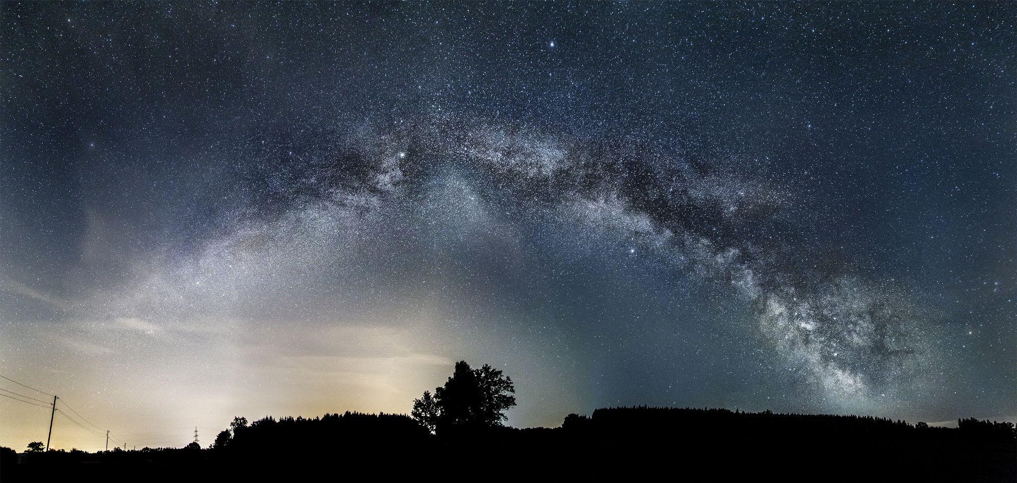 Wide Field - Milkyway at zenith from Sydney Australia