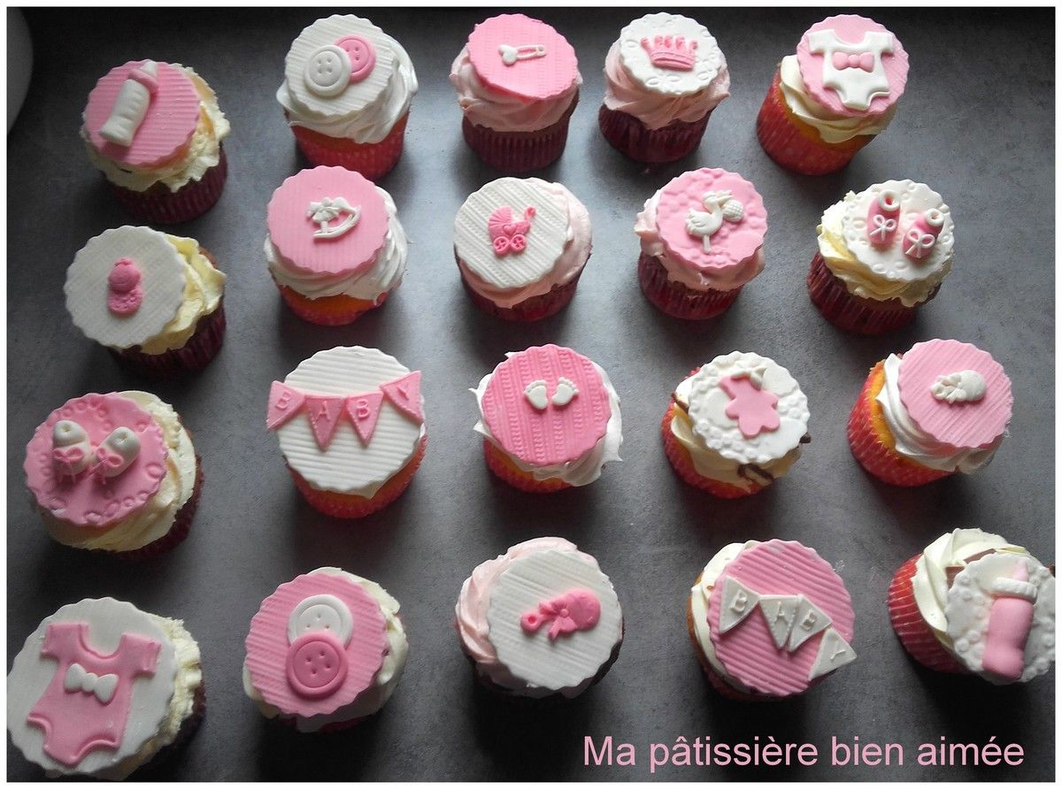 Decoration Pate A Sucre Cupcake Cupcakes Baptême Fille Gateau Decoration Cake