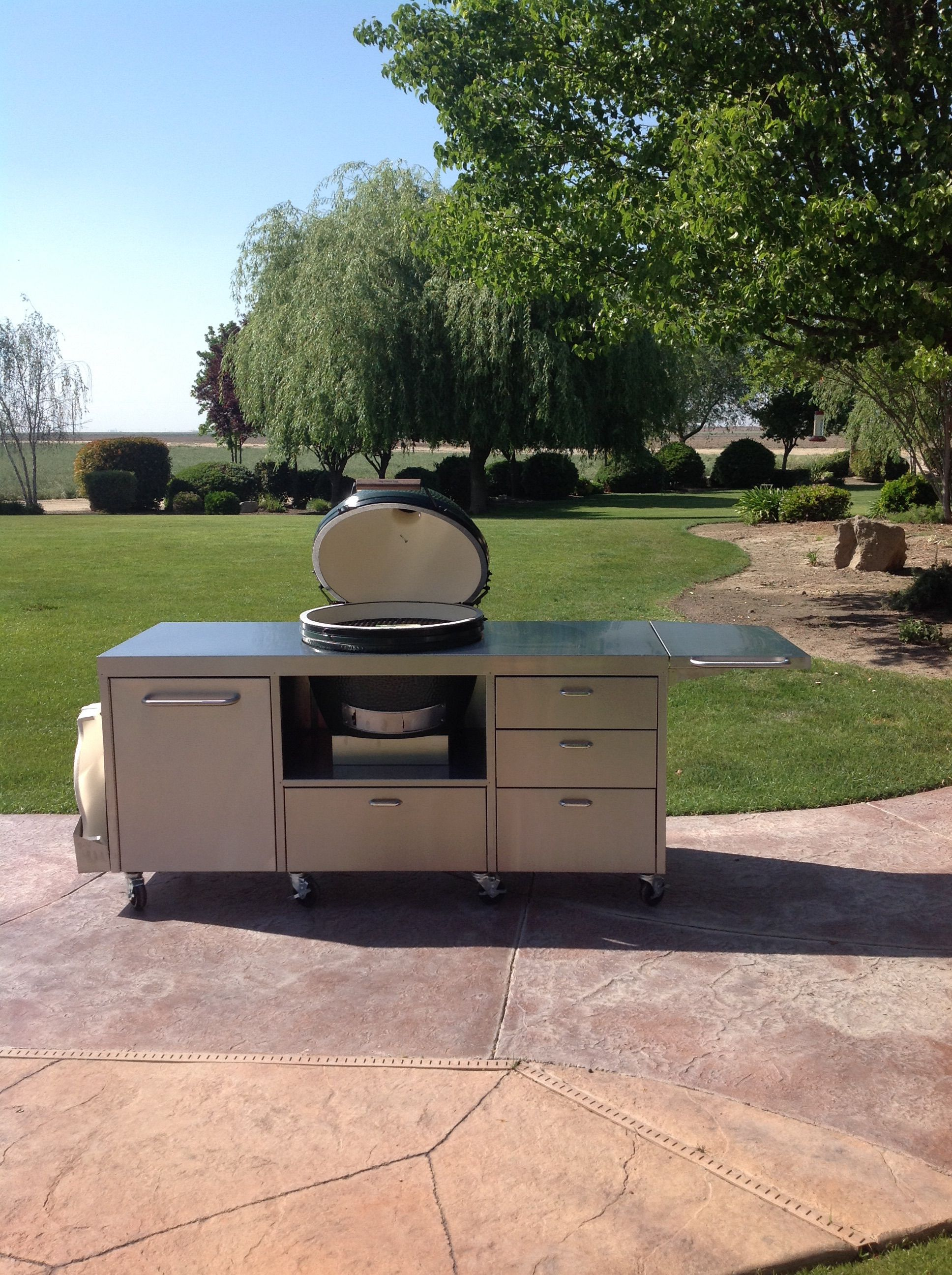 Extra large in middle big green egg table ceramic