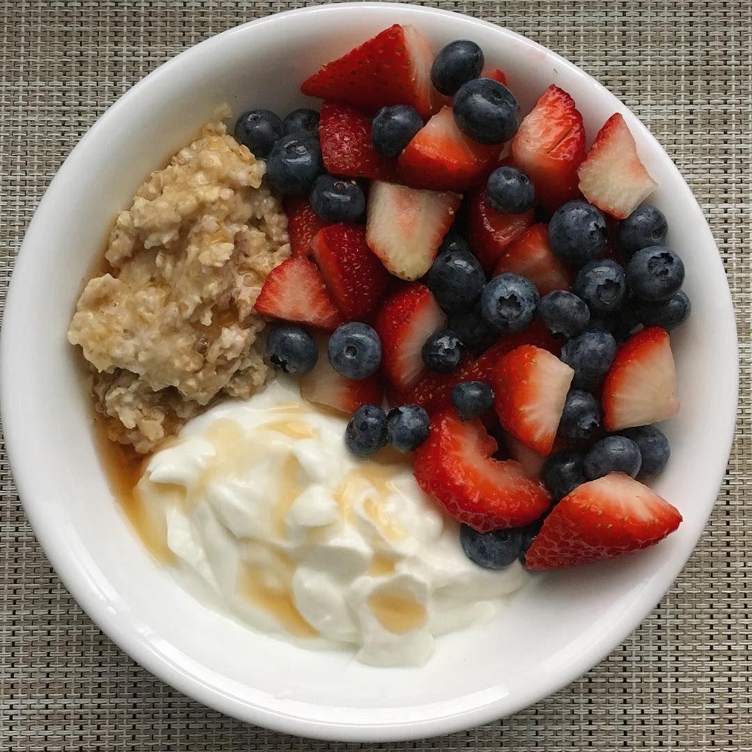 Oatmeal Greek Yogurt Sugar Free Syrup And Mixed Berries