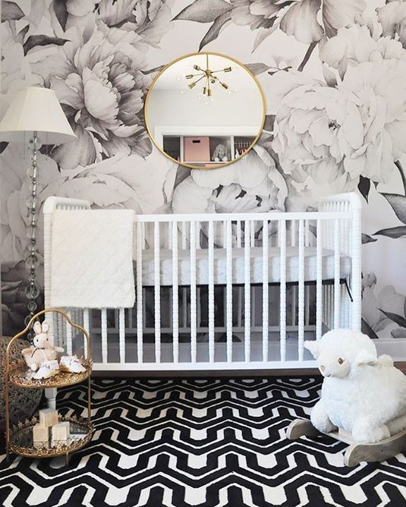 Who doesn't love a black and white Nursery?  July 11 2017 at 08:17AM