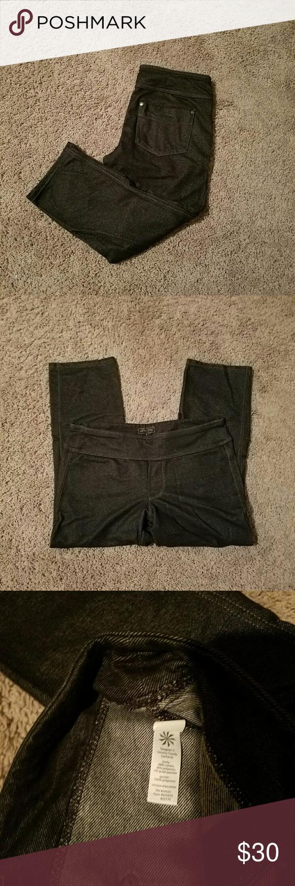 Athleta capris Athleta capris, denim look, back pockets, great condition Athleta Pants Capris