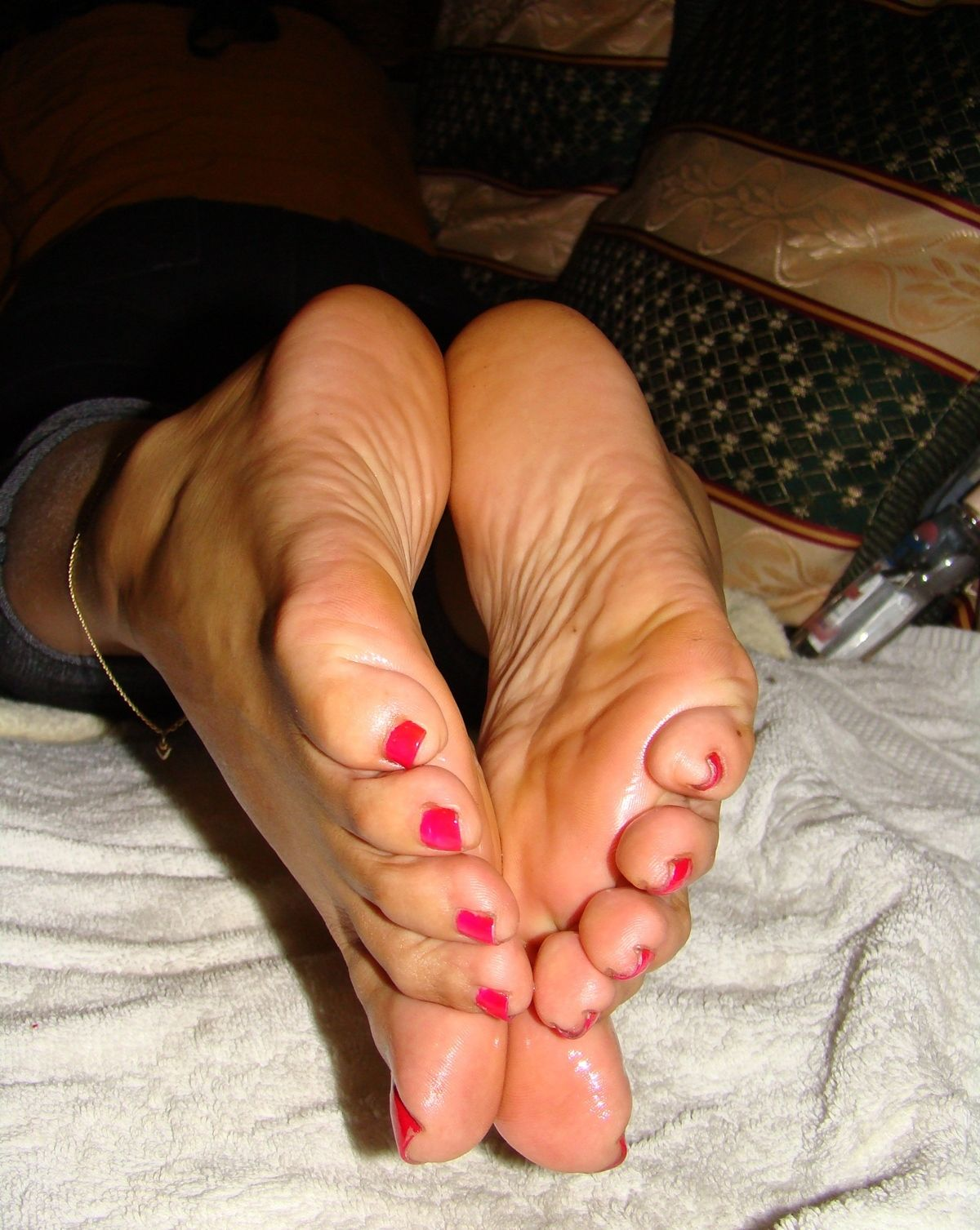 Oiled Soles And Red Painted Toenails World Of Feet