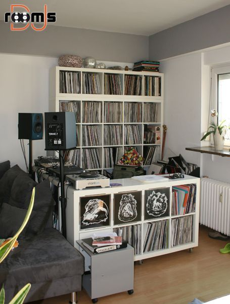 Ken Needs This For All His Records Dj Pult Wohnzimmer - Wohnzimmer Dj