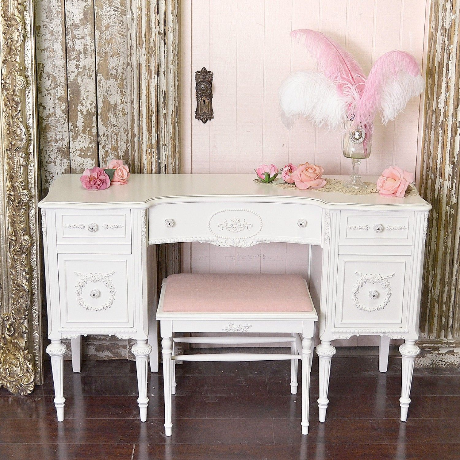 Vintage Vanity Desk from 1920s in White - Vintage Vanity Desk From 1920s In  White Shabby - White Antique Desks Antique Furniture