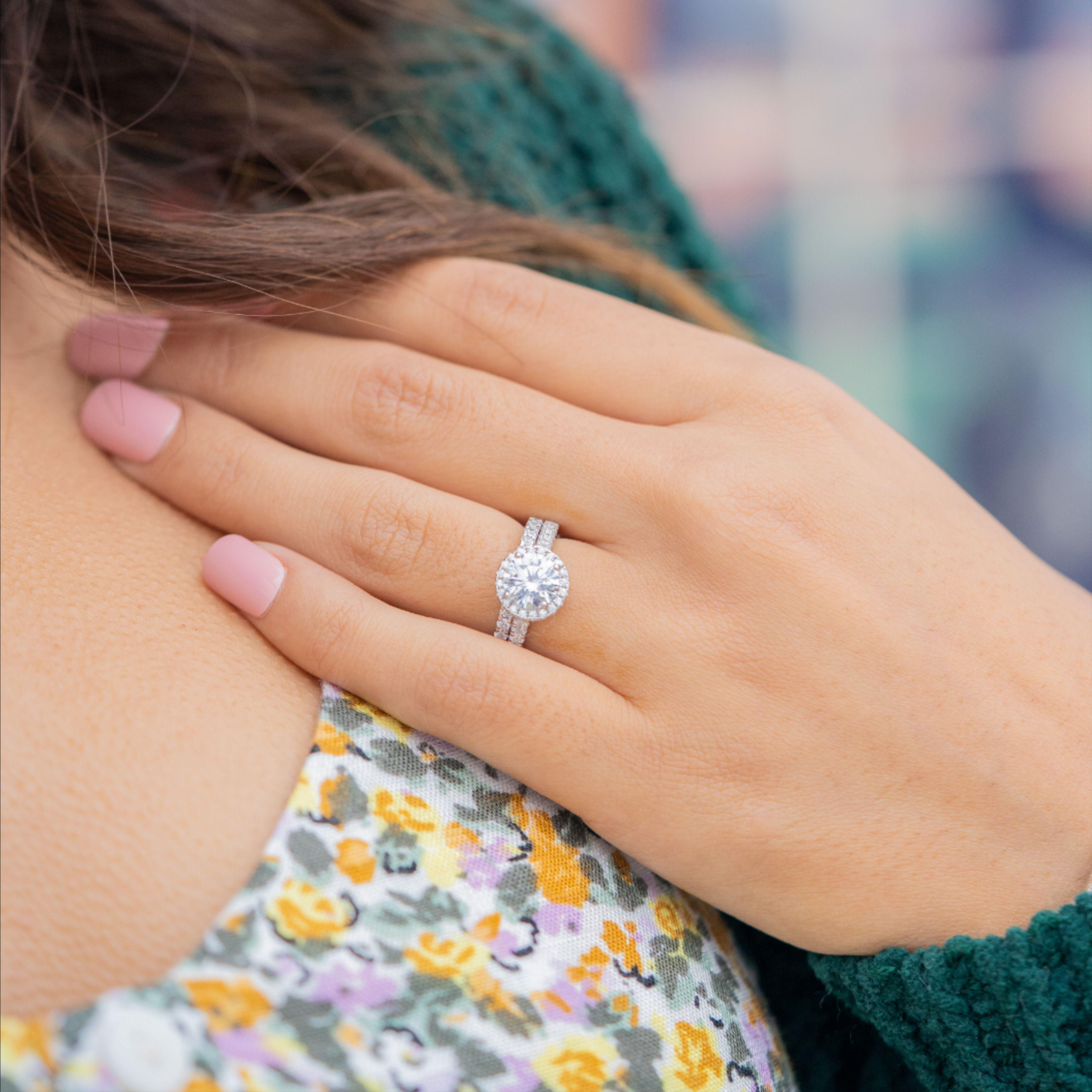 Women S Wedding Bands Simple Women S Wedding Bands In 2020 Womens Wedding Bands Affordable Wedding Ring Set Affordable Wedding Ring