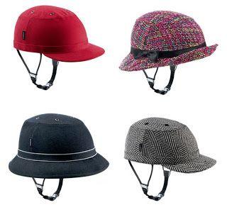 Bicycle Helmets Or Hats Augmenting The Aesthetics Of Bicyclehelmets Bicycle Fietshelm Fiets Fietsen