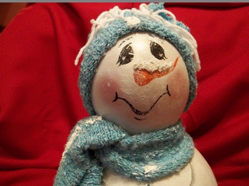 Happy snowman gourd.