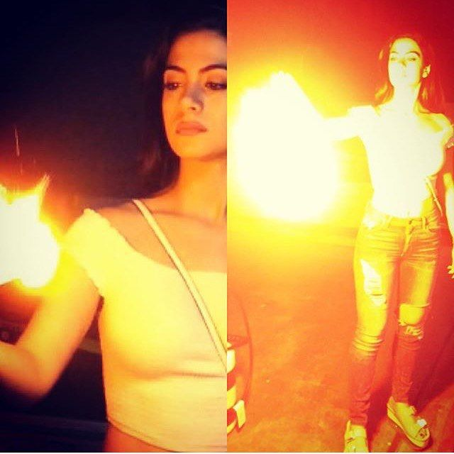 Emeraude/Izzy playing with fire. #Shadowhunters