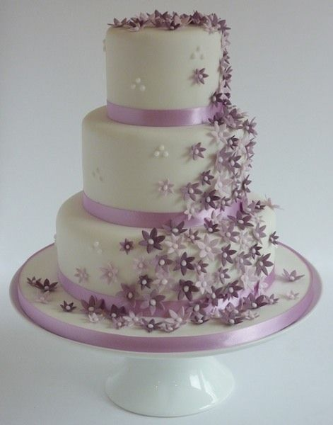 Trailing Bloom Violet Wedding Cake With Handmade Sugar Flowers 4 Vanilla Sponge