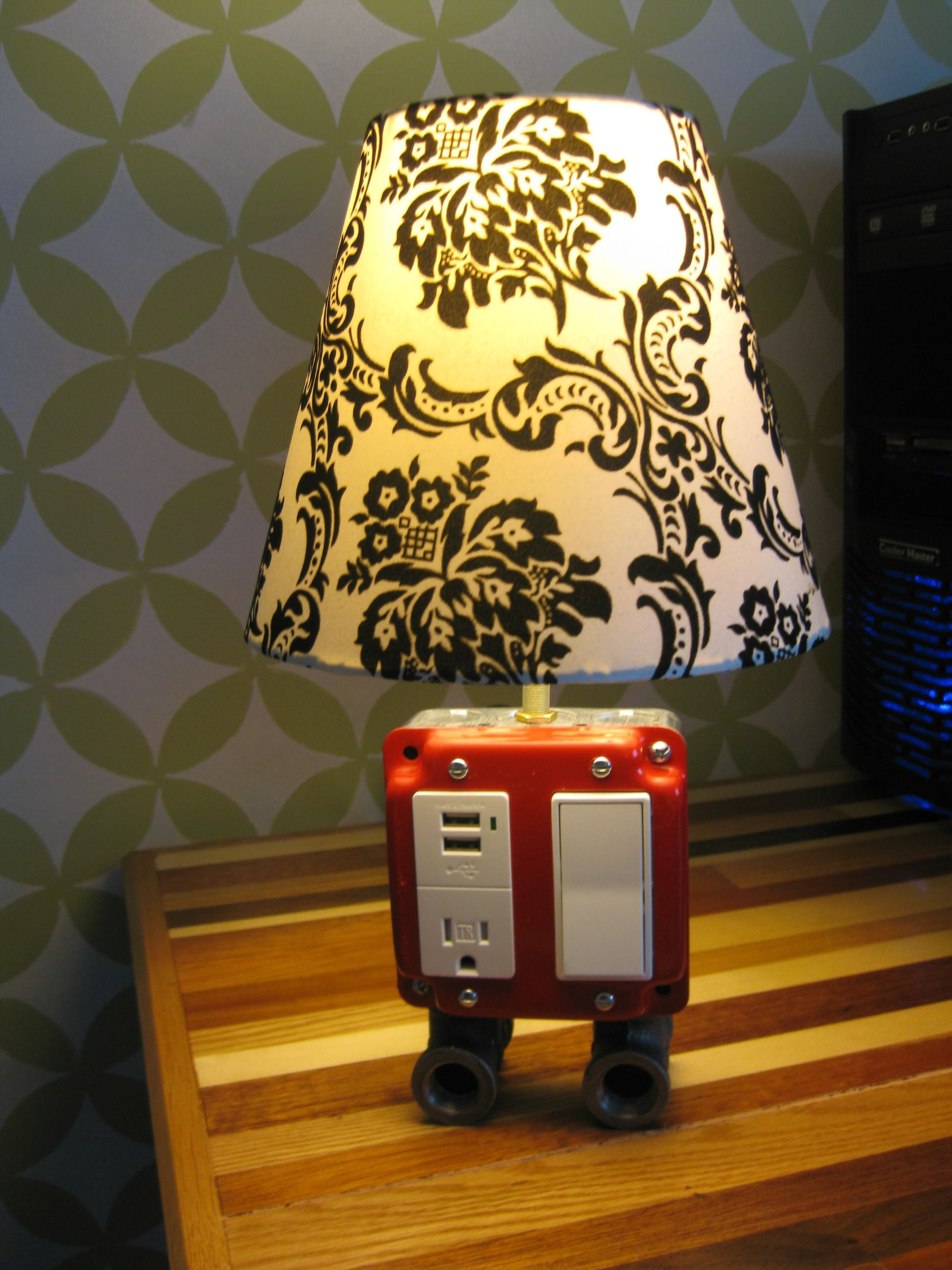 Lamp I Saw On Diy A Little While Ago Funny Stuff Cool Diy Projects Diy Projects Diy