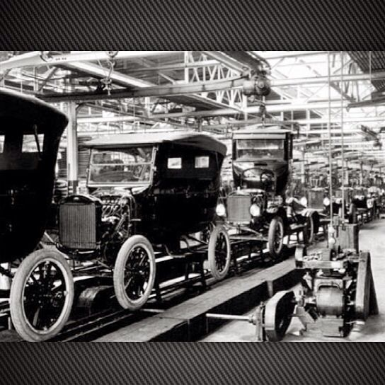 Tbt To A 1920s Ford Assembly Line Ford Assembly Assemblyline