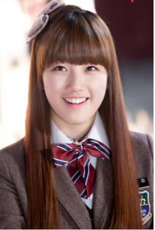 Korean Hairstyles For School Girls With Medium Straight Hair Photos
