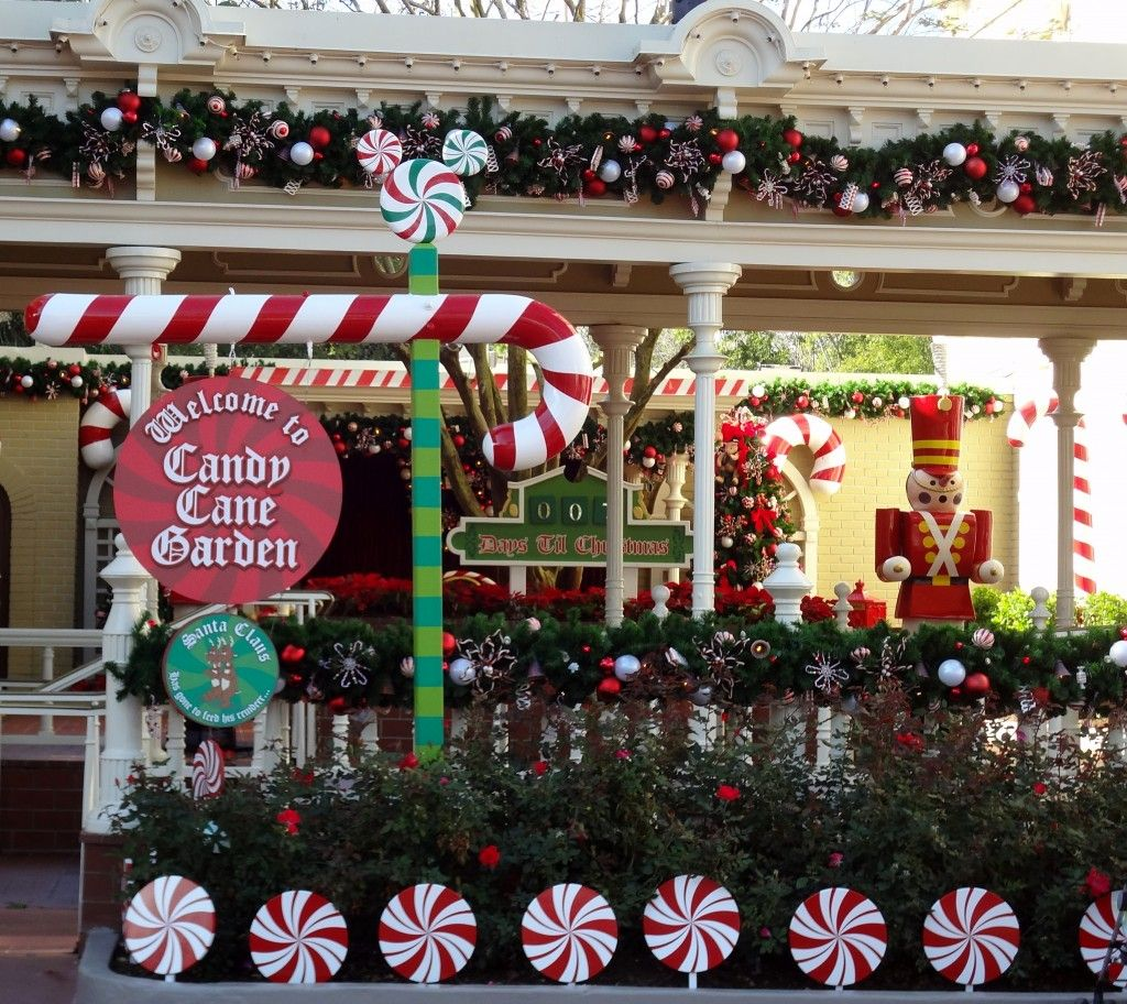 Addobbi Natalizi Walt Disney.Walt Disney World Magic Kingdom Candy Cane Garden