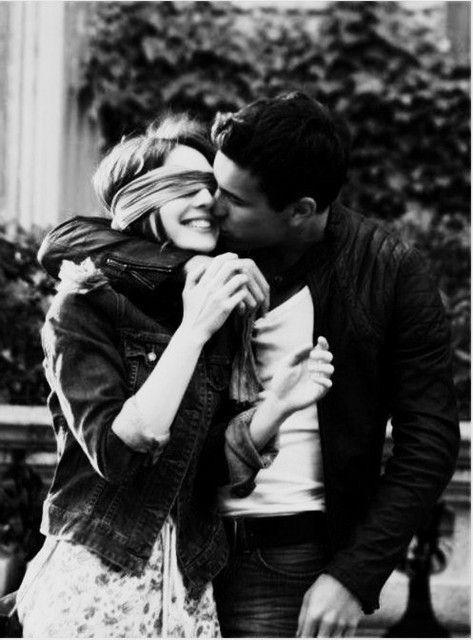 Красивая влюбленная пара. Черно-белые фотографии ...