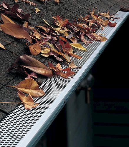 Prevent Leaf And Debris Buildup With These 3 Vinyl Gutter Covers Made Of Durable Vinyl This Cover Clips Onto Your Gutter Edge For S Com Imagens Policarbonato Futura Casa