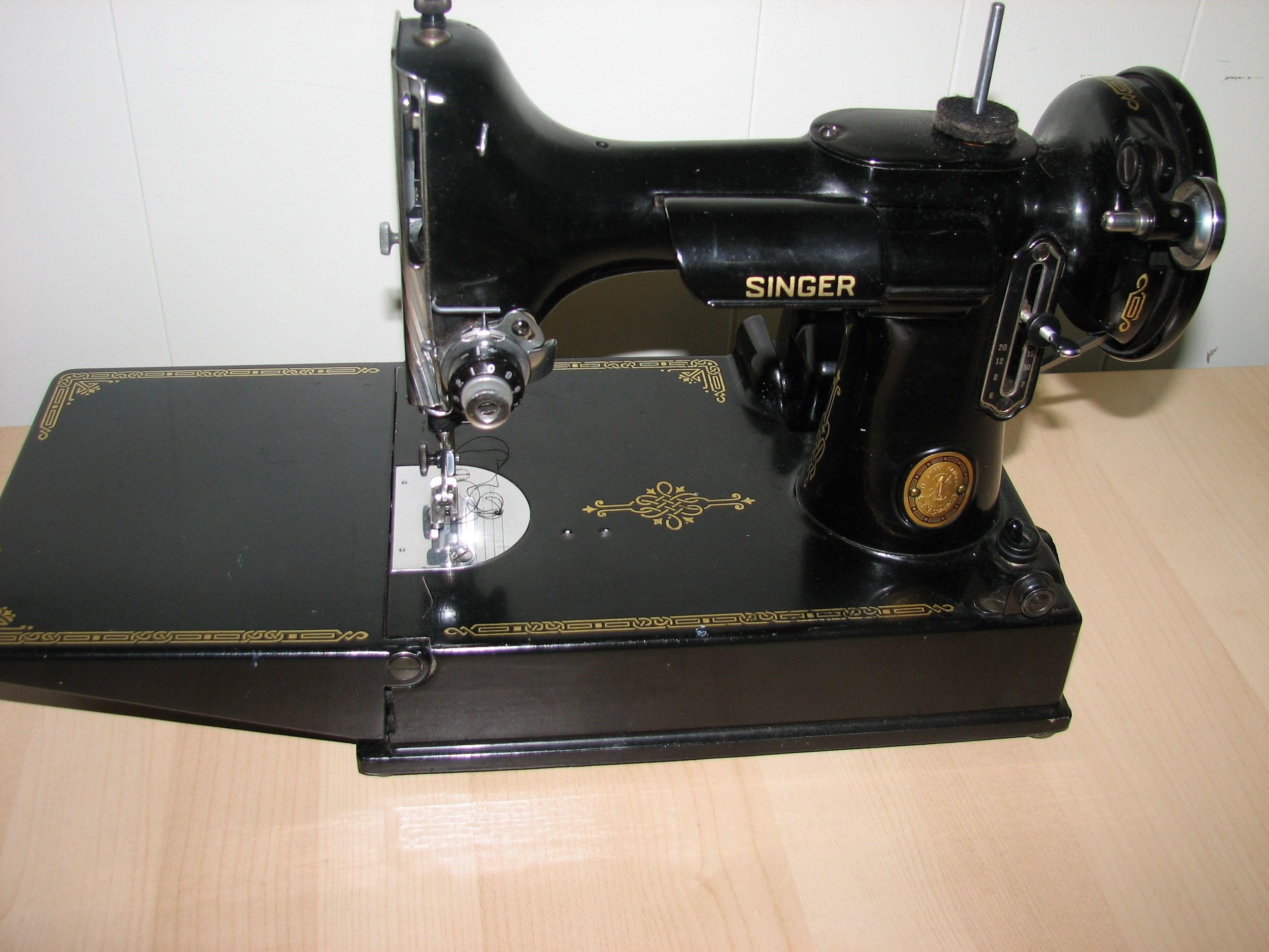 Singer Featherweight 221 from 1952