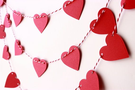 15 inch Garland Heart-Shaped Wreath Valentines Day Decorations