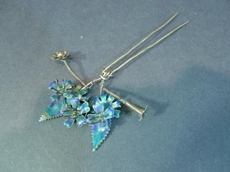 ANTIQUE CHINESE ENAMEL SILVER HAIR PIN 19TH CENTUR - by Capitoline Auction Gallery