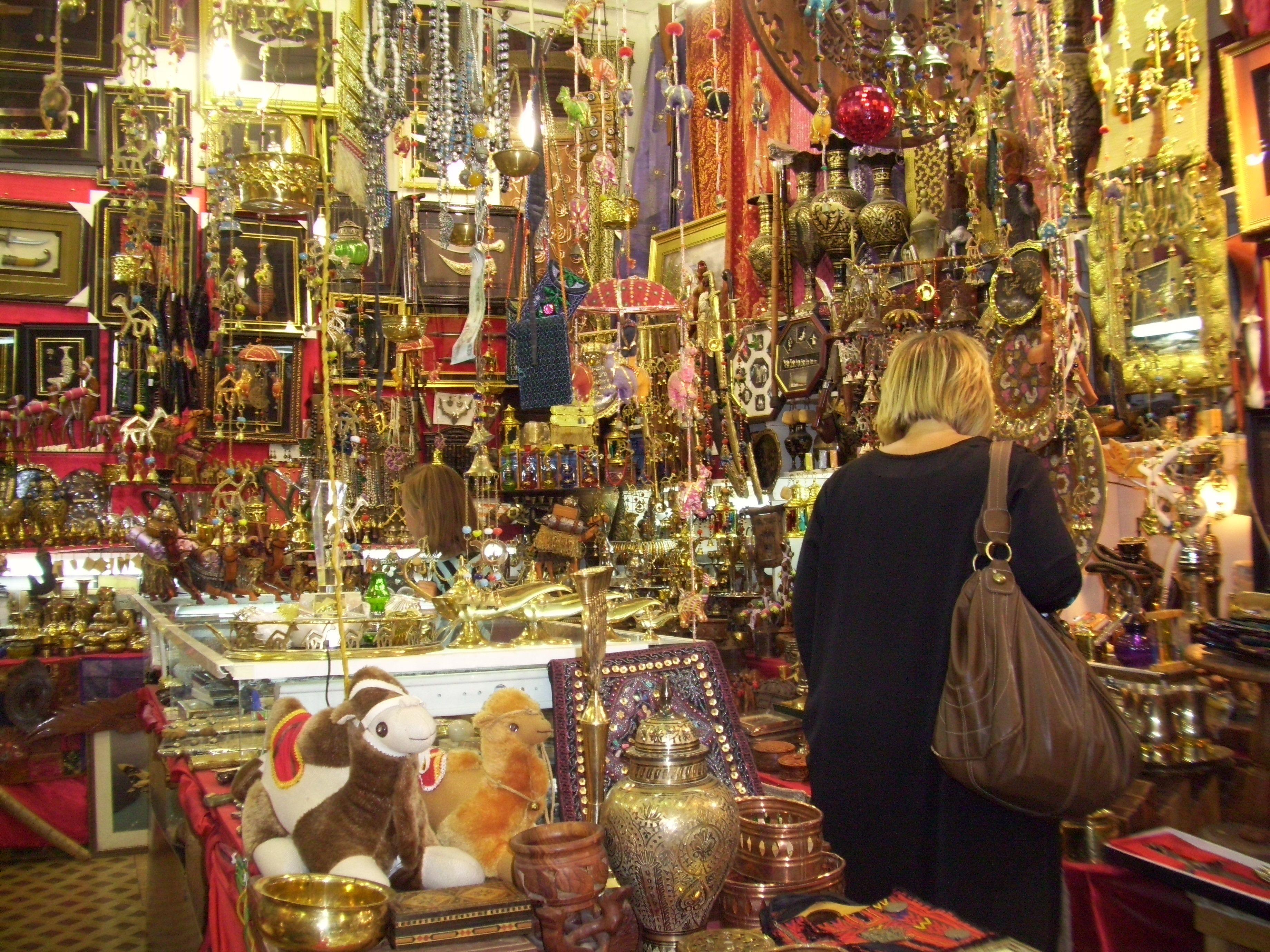 Kuwaiti souq, Riyadh  (own photo)   Ana Kuwaitia <3   Holiday travel