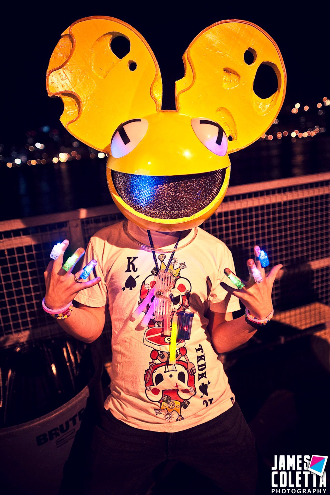 Was wondering around at the #deadmau5 show on the pier in ...