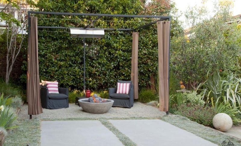 Sitzplatz Im Garten Vorhange Schutzen Vor Wind Sitzplatz Im Garten Garten Garten Design