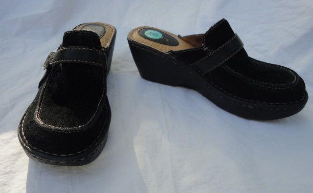 B.O.C Born Black Suede Clogs Size 8 http://www.ebay.com/itm/251402757860?ssPageName=STRK:MESELX:IT&_trksid=p3984.m1555.l2649