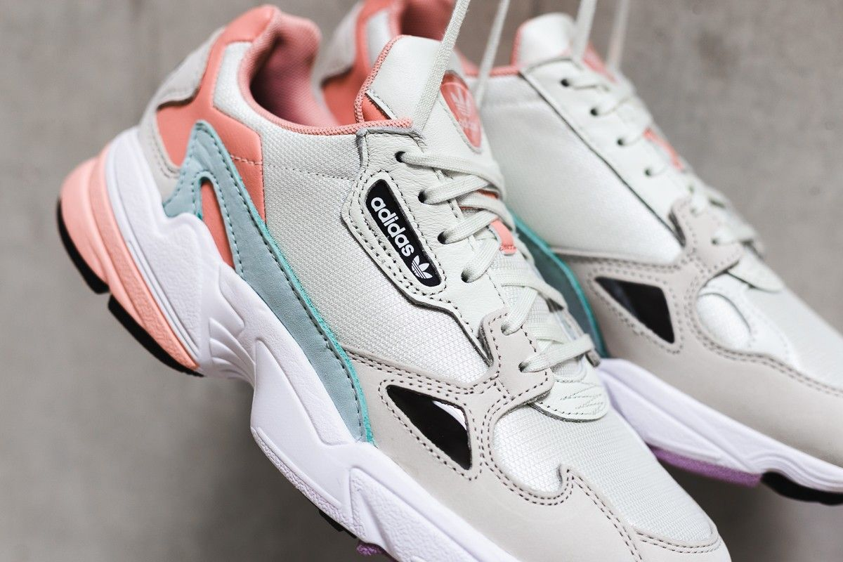 Adidas Falcon W \