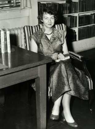 Flannery Oconnor   Writer Of Short Stories Novels  Flannery Oconnor   Writer Of Short Stories Novels  Essays  That Often Explored Matters Of Ethics  Morality Reflecting Her