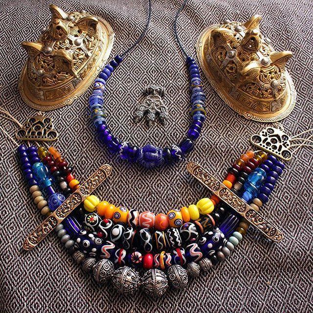 Reorganize Sunday #viking #vikingwoman #vikingbling #glassbeads #vikingjewelry #pagan #vikinghistory #fashionviking #vikingbrooch #vikingbeads #reenactment #vikingreenactment #livinghistory