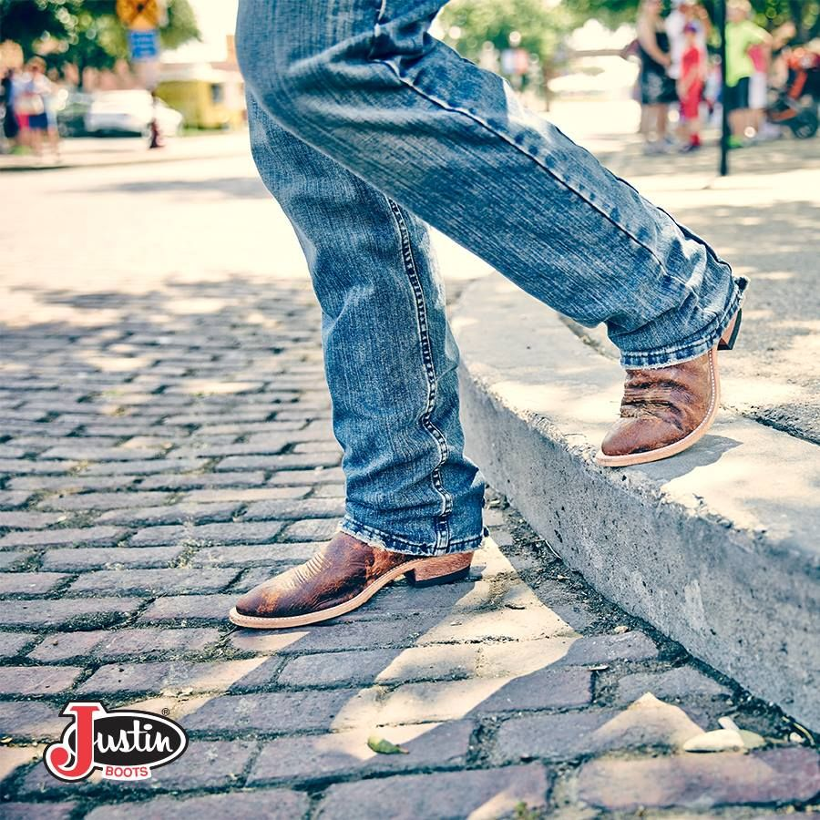 #JustinBoots #MensBoot #BrownBoot Find these boots here!---->