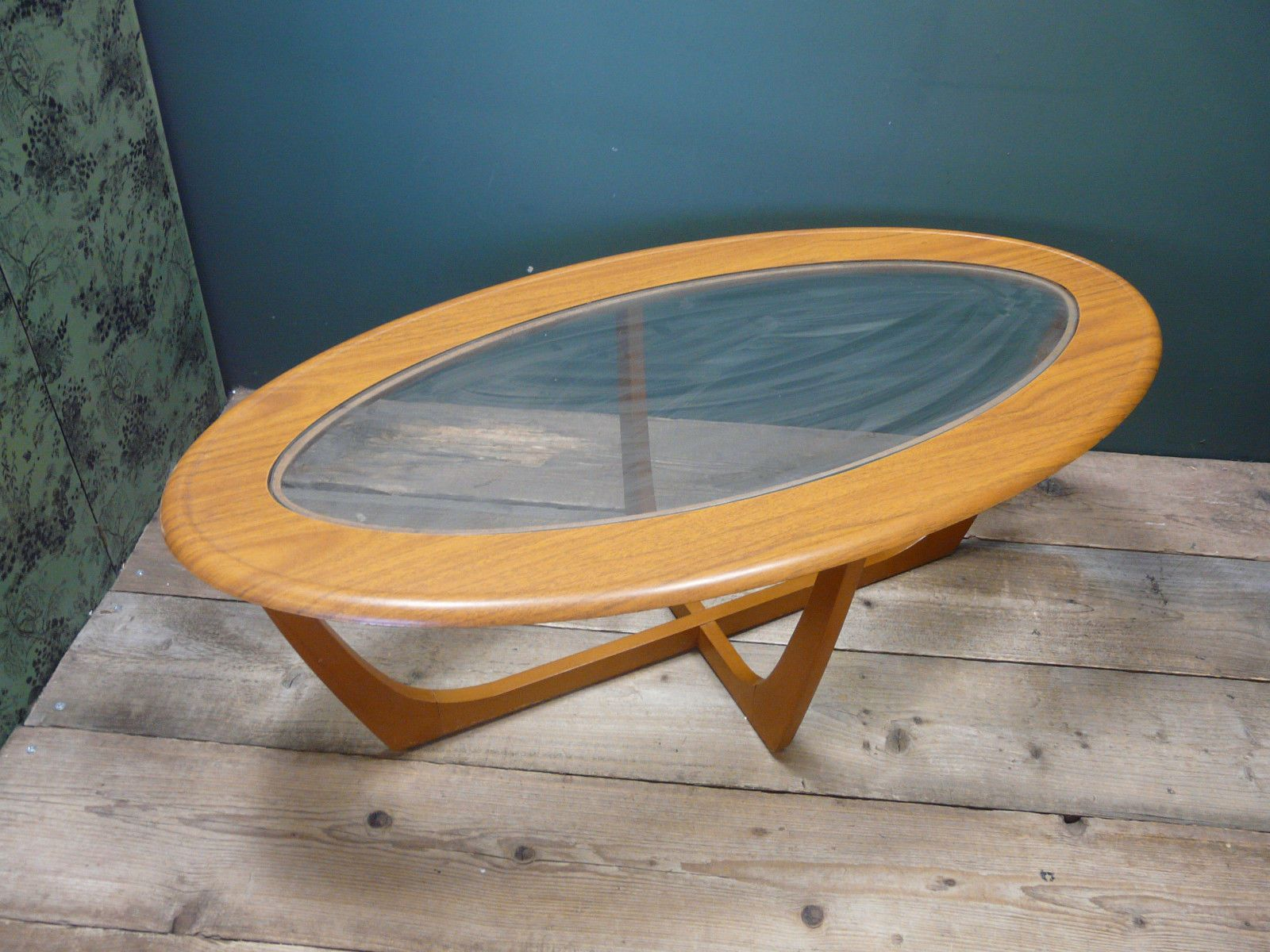 Vintage danish style 50s 60s glass top coffee table ebay vintage danish style 50s 60s glass top coffee table ebay geotapseo Gallery