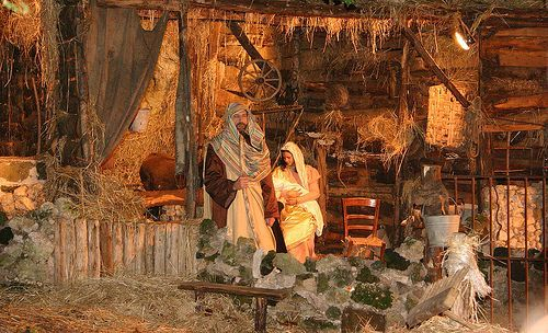 This is a beautiful live nativity scene! | Reason for the Season ...