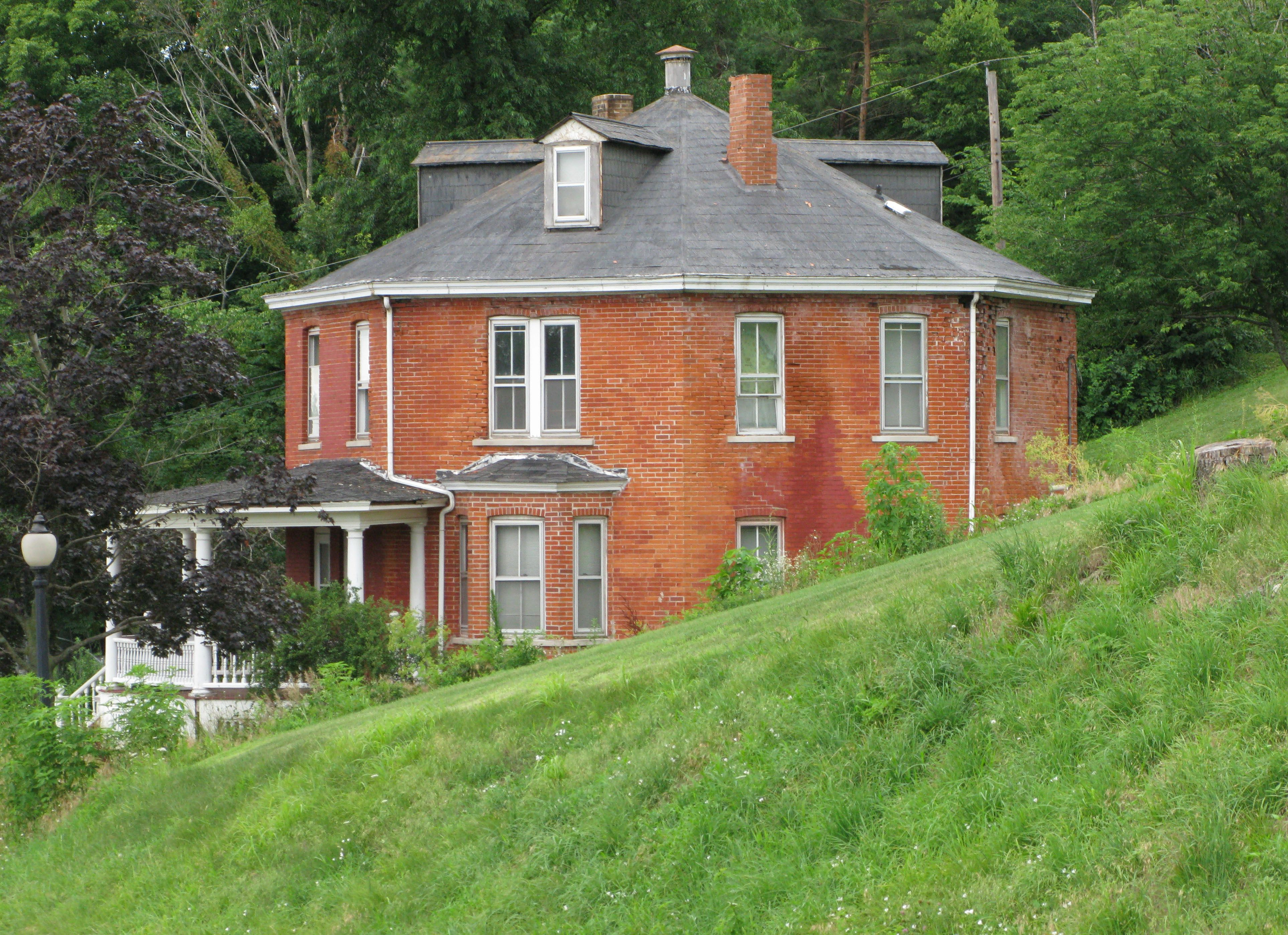 Uncategorized Everingham Rotating House 721 best octagonal images on pinterest southern plantations house sparland il