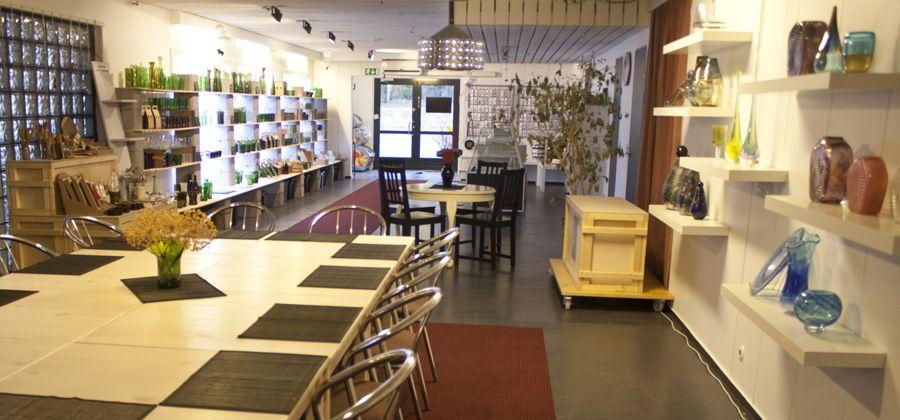 Jan Torstensson Lasistudion myymälää ja kahvilaa, Sastamala