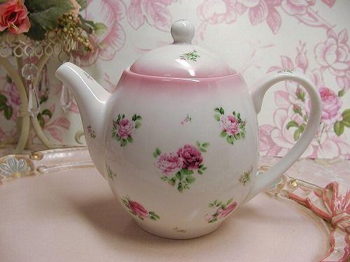 Roses teapot