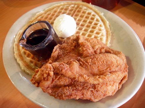 Tiny Original Lo Lo S Chicken Waffles Moving To Bigger Digs Food Chicken And Waffles Soul Food