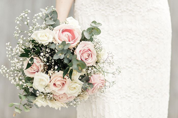 Classic Bride #flowerbouquetwedding