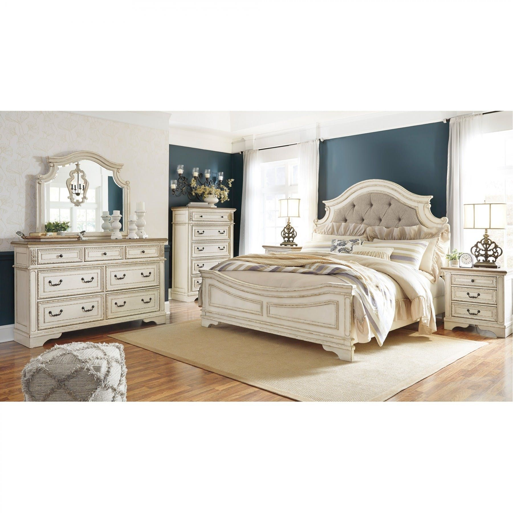 Realyn Upholstered Bed Bernie Phyl S Furniture By Ashley