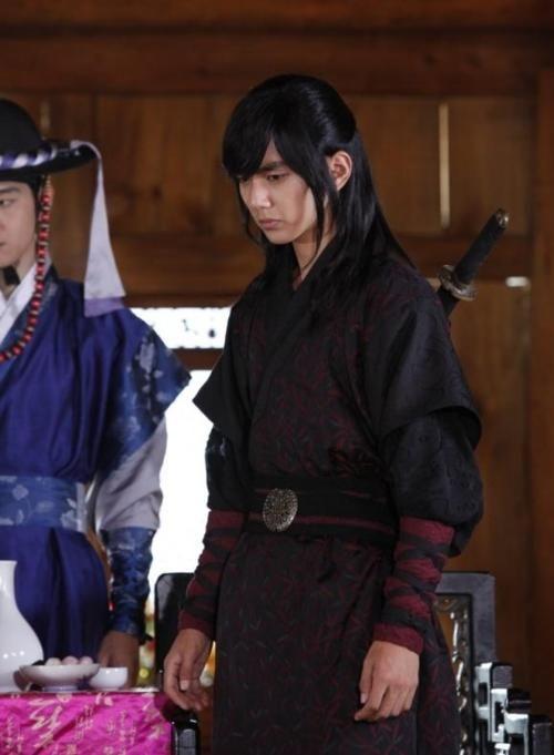 Yoo Seung Ho As Yeowoon Yoo Seung Ho Warrior Baek Dong