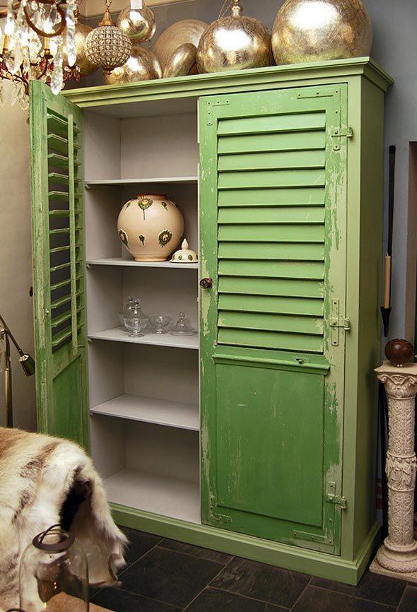 Exklusive möbel dresden  Schöner Schrank mit Fensterladenfront DIY. Antike Möbel und ...