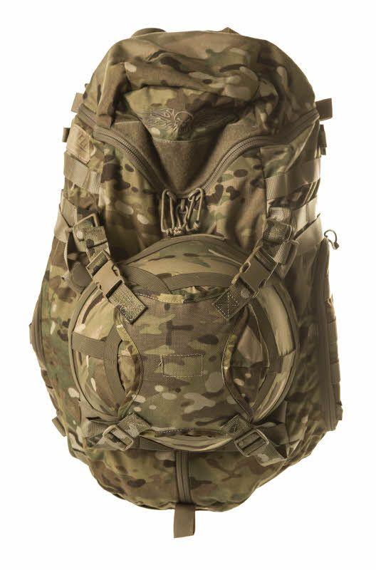 615d4010227 Helmet Holder Army Police, Military Army, Molle Webbing, Army Gears, Helmet,